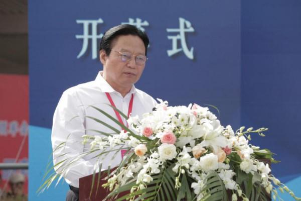 中国食品工业协会副会长、中国食品安全报社社长、总编辑朱长学致辞